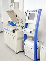 Анализатор Olympus AU-680, позволяющий выявить ситуации, когда кальций в крови повышен